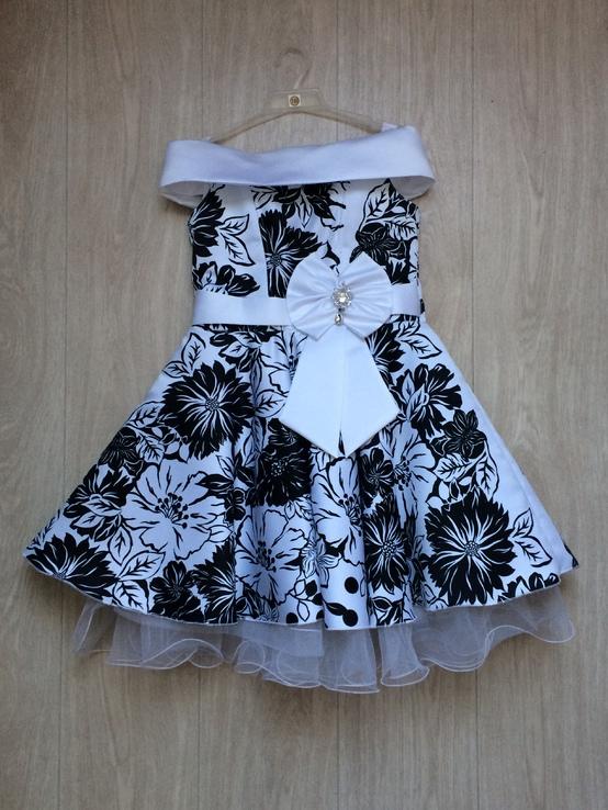 Нарядное платье для девочки 9-10 лет