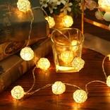 Гирлянда шарики из ротанга LED светодиодная.  На батарейках.