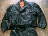 Кожаный мотокомплект (куртка ,штаны ,футболки)