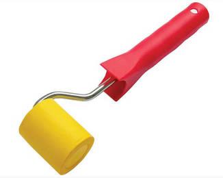 Валик прижимной резиновый 50 мм с ручкой