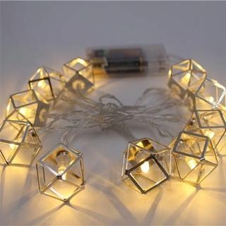 Стильная гирлянда-фонарики для любого праздника.