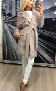 Шикарное женское пальто на весну 42-44 размер