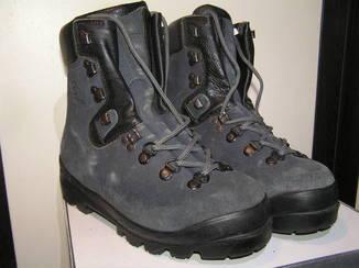 Ботинки scarpa р.39.5  кожа.замш пр-во италия новые