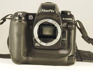"Фотоапарат Fujifilm FinePix S3 Pro.""Body""."