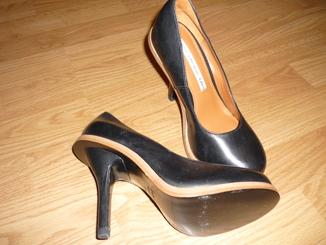 Кожанные фирменные туфли 36 р.