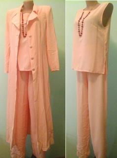 Персиковый костюм тройка Vittorio, p.M-L