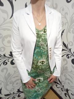 Жіночий білий піджак розмір s
