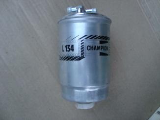 CHAMPION L134 Топливный фильтр.