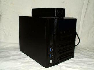 Сервер, мережеве сховище, NAS Thecus W4000.