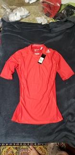 Термобелье adidas футболка L (красная)