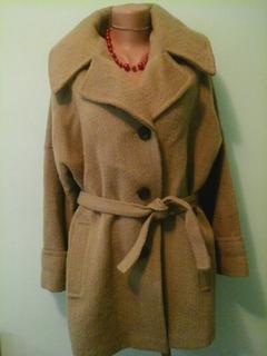 Шерстяное пальто, р.L, нюанс