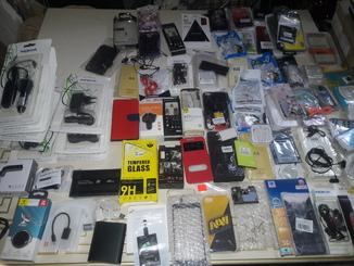 Мега лот всіляких гаджетів та іншого для телефонів смартфонів та іншого.